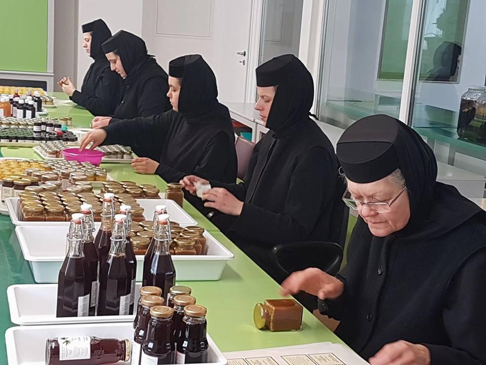 Remedii mănăstirești: procesul de creație